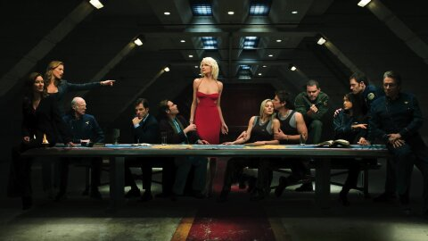 Battlestar Galactica cast in Last-Supper mode